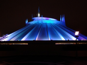 Space_Mountain_night